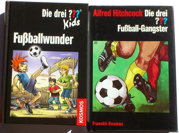 Abbildungen auf den Titelseiten des Dreifachbandes »Fußballwunder« und der »Fußball-Gangster«.